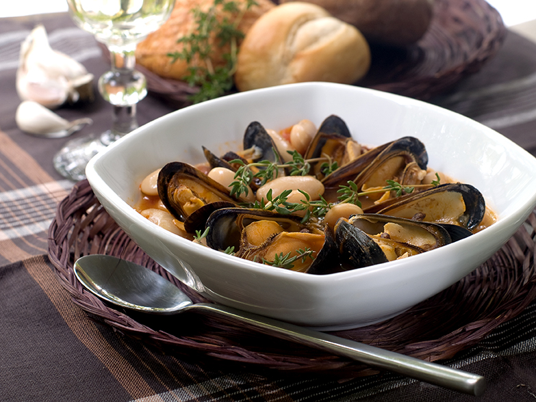 Clam Soup with Wine Sauce